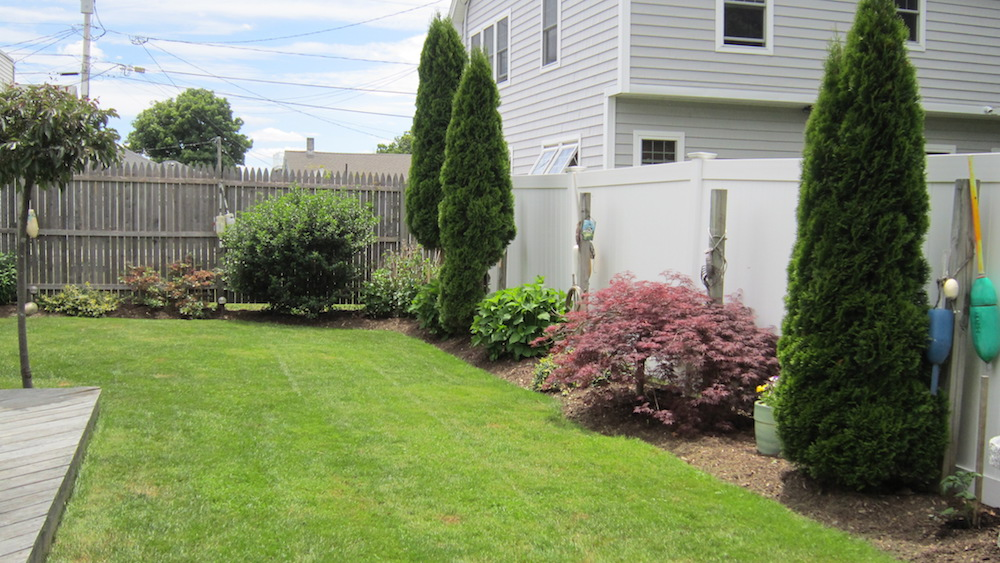 fenced in back yard at hampton beach rental